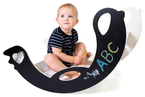 lastekiik-tuppa-tahvlivärv