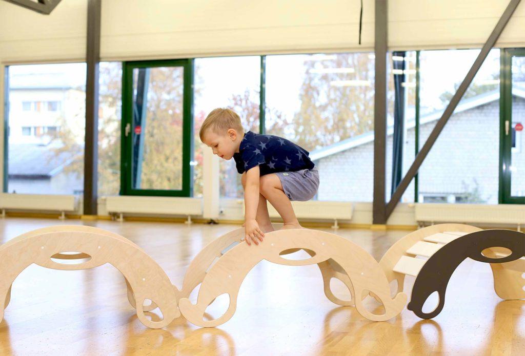 lapsi arendavad mänguasjad