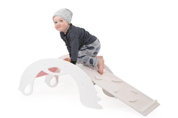 puidust valge ronimissein lastele
